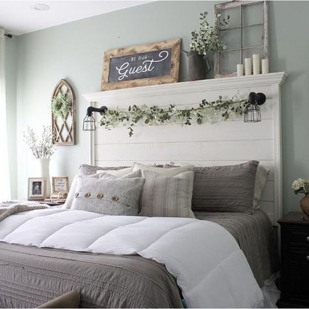 Lovely Winter Master Bedroom Decorations Ideas Best For You 46