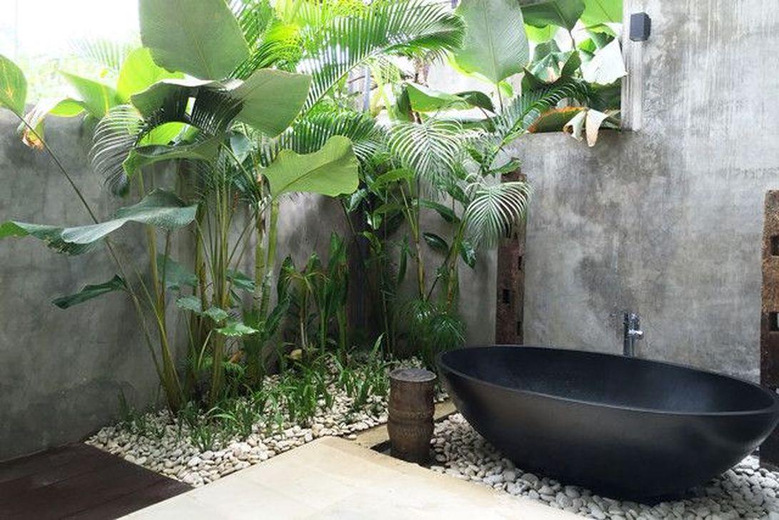 Creative Outdoor Bathroom Design Ideas For Enjoying Summer 17