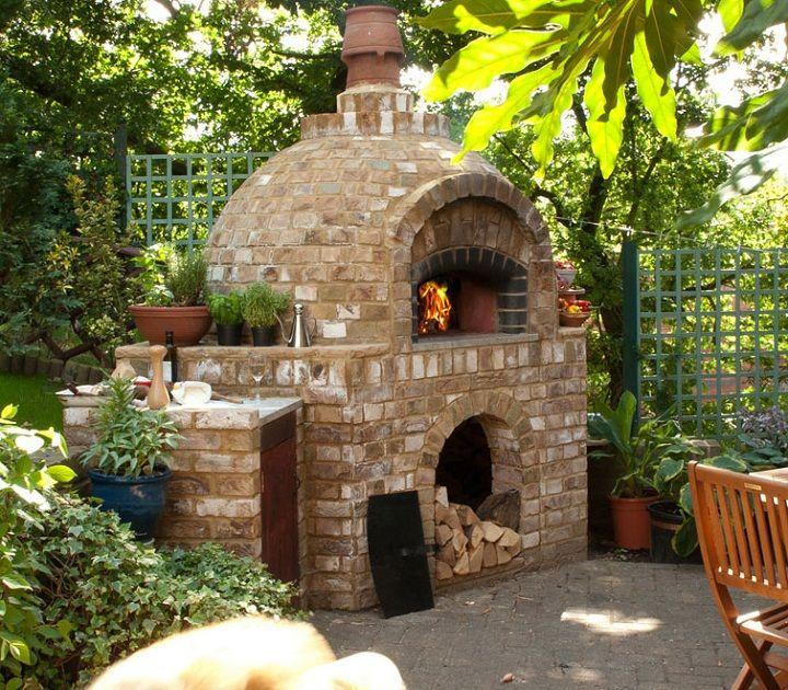 Outdoor Brick Pizza Oven